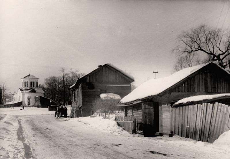 Покровская церковь (перекресток ул.Милютина и ул.Горького)