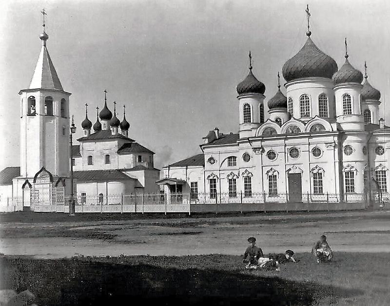 Ныне Красноармейская площадь